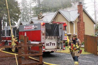 Firefighters quickly extinguish house fire